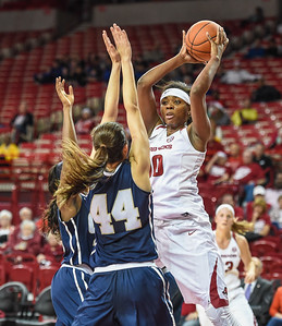 Arkansas Lady Razorbacks forward Jessica Jackson (00) passes inside during a basketball game between Arkansas and Oral Roberts on December 10, 2015.    (Alan Jamison, Nate Allen Sports Service)