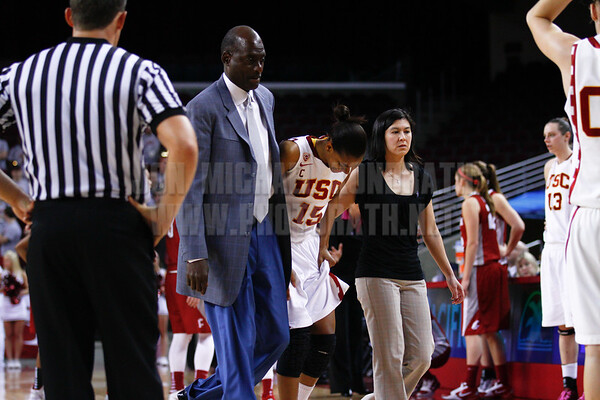 Pac-10 Tournament Round 1 - Cassie Harberts leads USC with 31 points to a victory over WSU (78-66)<br /> WBKvWSU_Pac10T_030911_Kondrath_1117