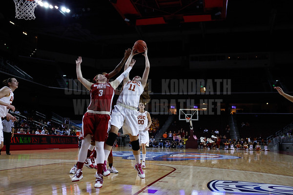 Pac-10 Tournament Round 1 - Cassie Harberts leads USC with 31 points to a victory over WSU (78-66)<br /> WBKvWSU_Pac10T_030911_Kondrath_0395