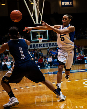 Jasmine Thomas (Duke, 5).<br /> Cameron Indoor Stadium<br /> Duke University<br /> Durham, NC <br /> December 21, 2010