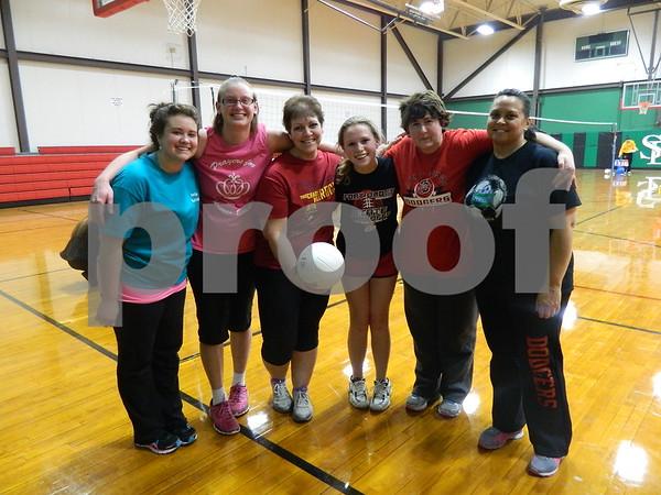 left to right: Samantha Richanscn , Beth Peterson, Tina Heyerhoff, Haley Richardson, Tracy Richardsn, Diana Young. Team Hit That.