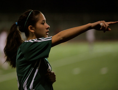 Christine Horne Woodinville High Girls Varsity Soccer verse Issaquah High October 6, 2011   ©Neir