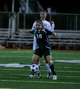 Reagan Quigley  Woodinville High Girls Varsity Soccer verse Skyline High October 20, 2011, ©Neir