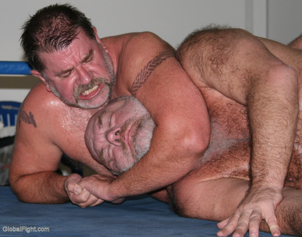 daddy bears fighting choke holds knocked unconcious