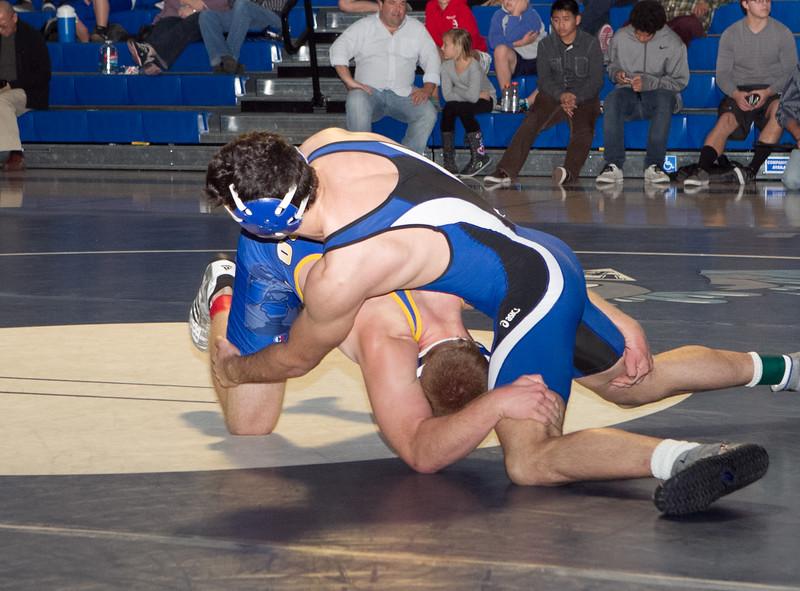 dhwrestJan12-15-2012-80