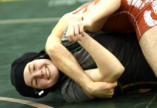 0117 gen-lake wrestling 21