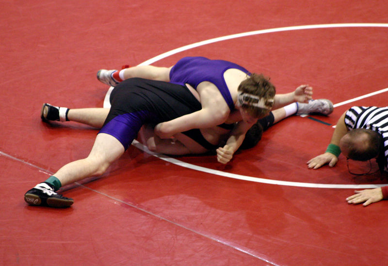 Joe Taylor trying to get the pin