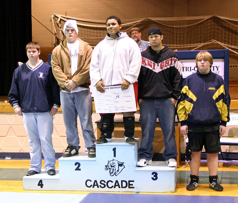 Hiram receiving first place at the Cascade tournament.