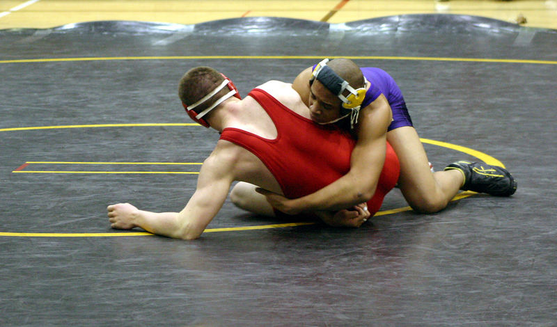 Jarrell trying to keep his Davenport West opponent down