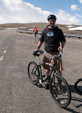 Kilt-wearing, work-boot-kickin' downhill bike guide
