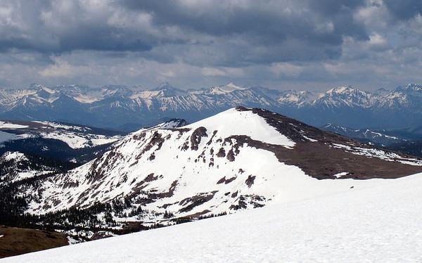 First view of the Absaroka Range (the eastern escarpment of Yellowstone Plateau)