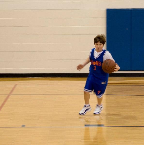 Noah, charging to the basket.