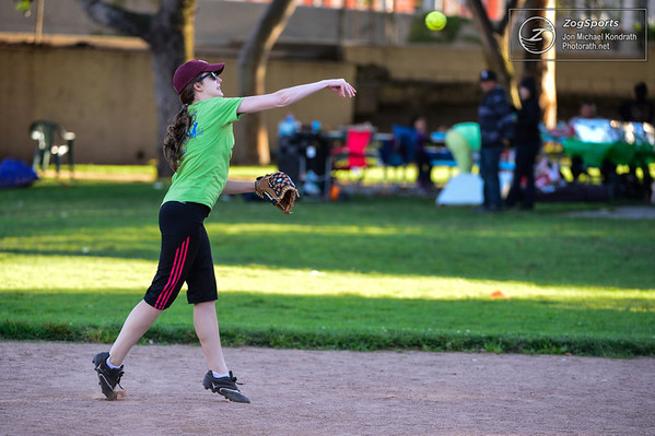 Zog Softball_Kondrath_033014_0125
