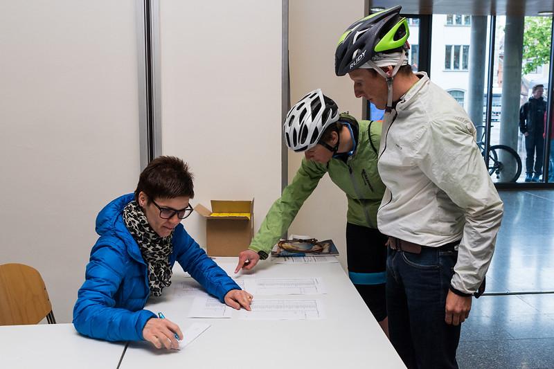 21. Zugerberg Classic 2016: Bikerennen und Berglauf aus der Stadt Zug auf den Zugerberg
