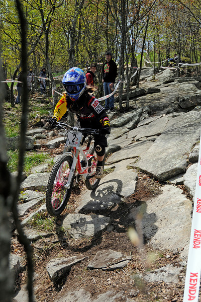 Lauren Daney (Specialized / GROM) clearing the ninja line on her way to first in the Women's PRO class.