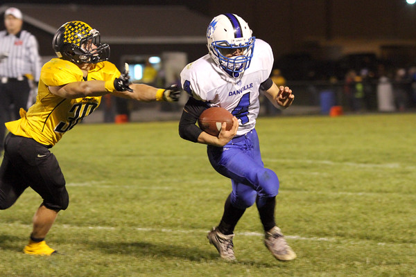 Lone Tree's Jared Hudson (#30) and Danville's Sawyer Foster (#4)
