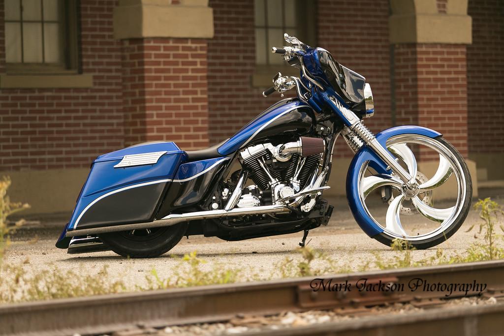 photo shoot of custom street glide bagger