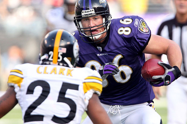 Chris Ammann/Baltimore Examiner Ravens tight end Todd Heap looks to make a move on Steelers safety Ryan Clark during a game at M&T Bank Stadium in Baltimore on Sunday, Nov. 26, 2006.