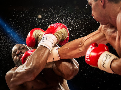 Wladimir Klitschko lands a punch on the chin of Bryant Jennings during the World Heavyweight Championship match at Madison Square Garden on April 25, 2015 in New York.
