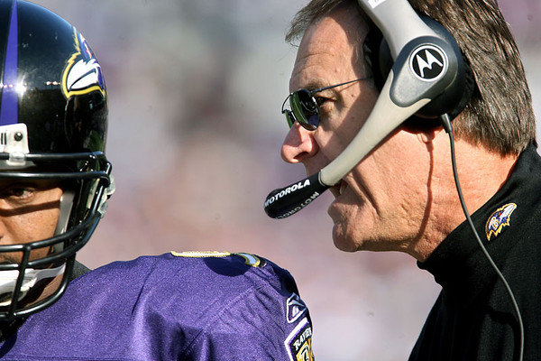 Chris Ammann/Baltimore Examiner Ravens coach Brian Billick talks with quarterback Steve McNair between plays during a game Sunday, Nov. 5, 2006 at M&T Bank Stadium in Baltimore.
