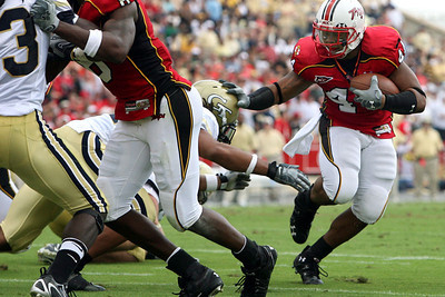 Maryland senior running back Lance Ball avoids a Georgia Tech defender on his way to a touchdown during the Terrapins' 28-26 victory over the Yellow Jackets at Byrd Stadium in College Park on Saturday, Oct. 06, 2007. Chris Ammann/Examiner
