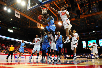 DeAngelo Isby, of Hillcrest, weaves his way to the basket against Plainfield East for the Chicago Elite Classic at UIC Pavilion, Saturday, December 6th, 2014, in Chicago. | Gary Middendorf/ Chicago Tribune Media Group