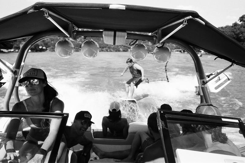 GG_EOP_Surfing_IrasBoat_037e