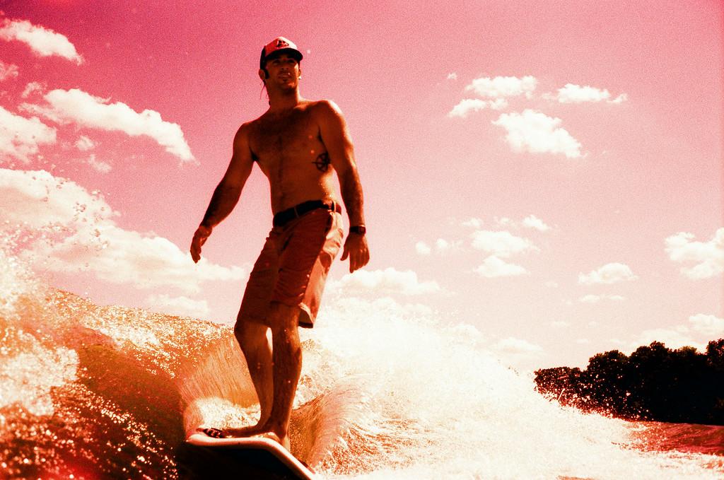 GG_EOP_Surfing_IrasBoat_021e
