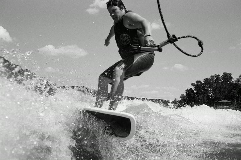 GG_EOP_Surfing_IrasBoat_035e