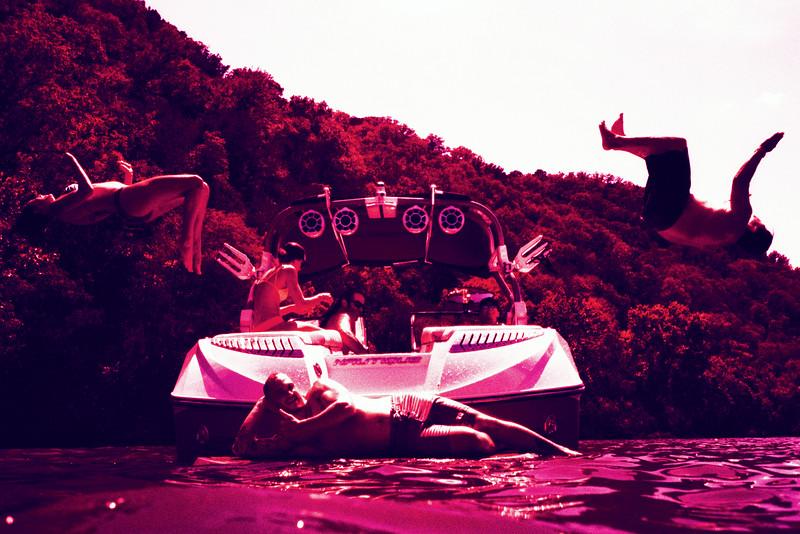 GG_EOP_Surfing_IrasBoat_017e