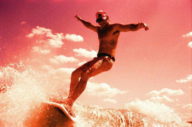 GG_EOP_Surfing_IrasBoat_024e