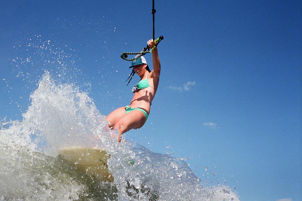 GG_EOP_Surfing_IrasBoat_005e
