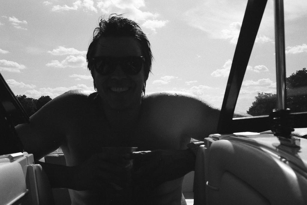 GG_EOP_Surfing_IrasBoat_040e