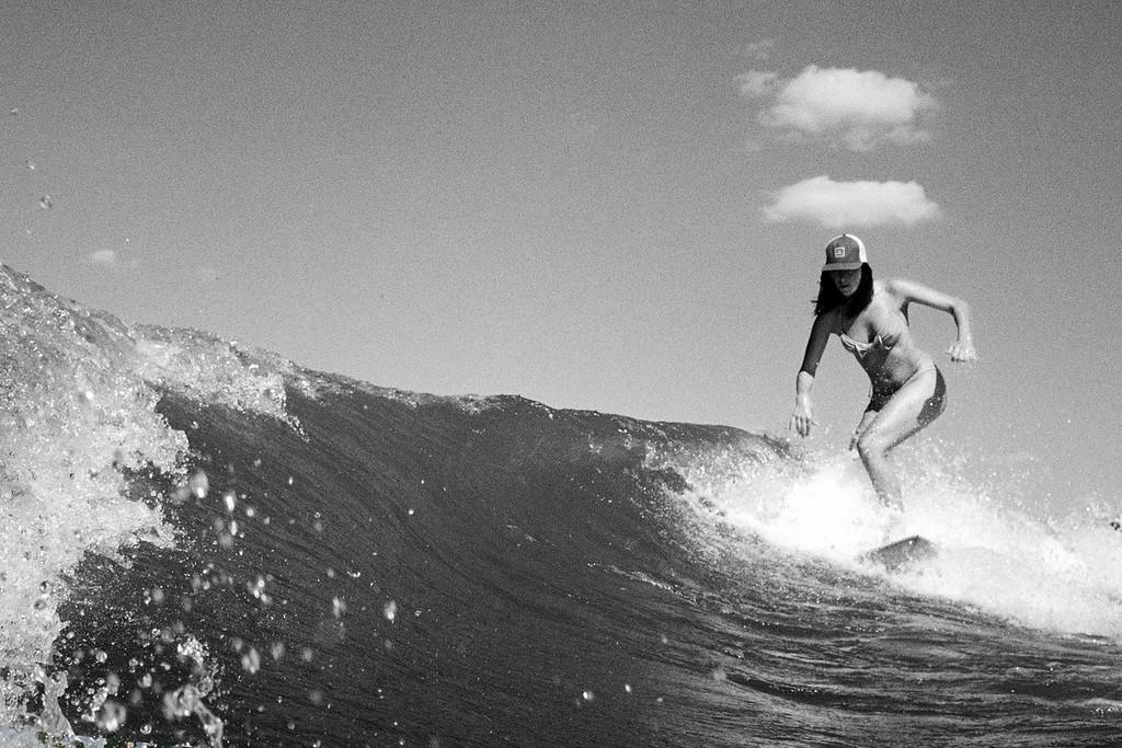 GG_EOP_Surfing_IrasBoat_007e_b&w