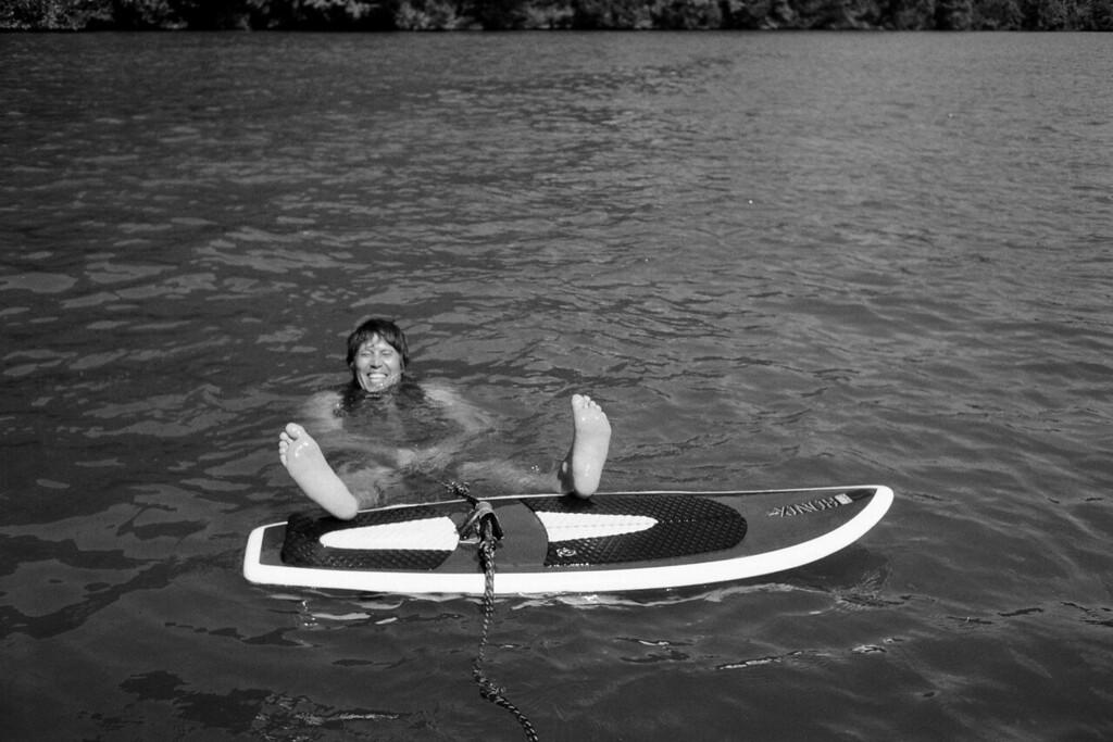GG_EOP_Surfing_IrasBoat_034e