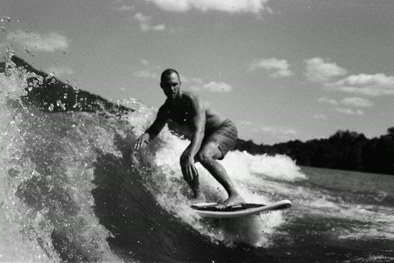 GG_EOP_Surfing_IrasBoat_046e