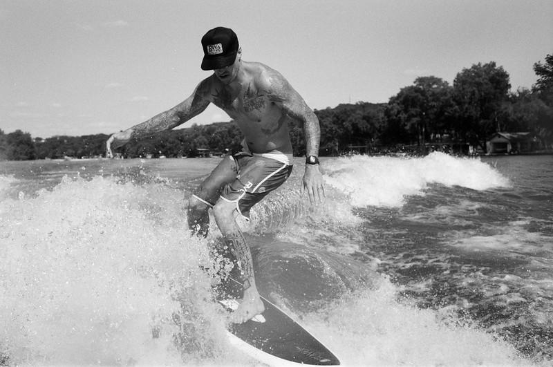 GG_EOP_Surfing_IrasBoat_045e