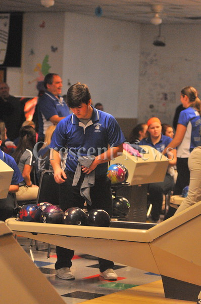 12-10-15 Sports Napoleon @ Defiance bowling