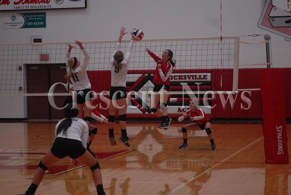 09-22-15 Sports Tinora @ Hicksville VBall