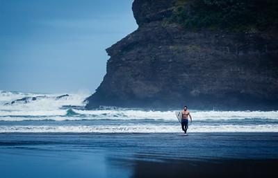 Bethells surfer