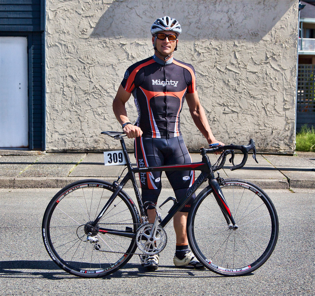 Dave Groves of the Mighty Riders gets ready for the Tour deDelta Criterium in Ladner, BC
