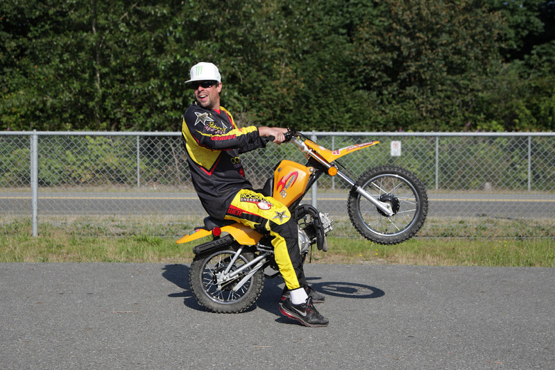 Zoltan shows us how he pops a wheelie