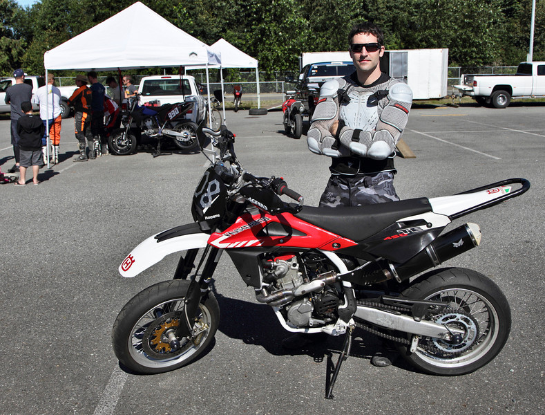 Welcome to New Rider Adrian at his first  BC Supermoto race day. Nice racing duds