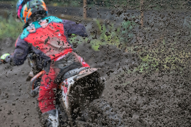 Yeah, that mud is coming right at me, 3 cheers for telephoto lenses