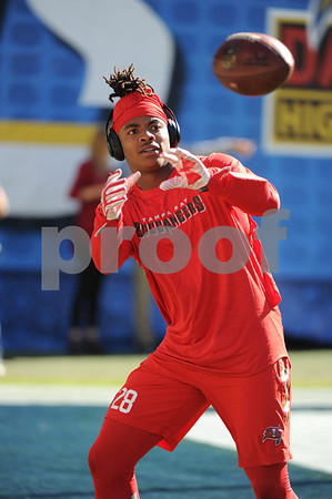 NFL: DEC 04 Buccaneers at Chargers