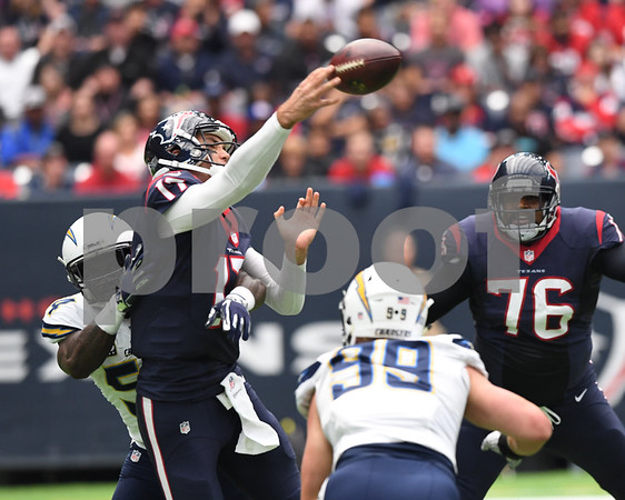 NFL: NOV 27 Chargers at Texans