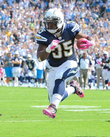 October 03, 2010, San Diego, CA, USA, San Diego Chargers full back Michael Tolbert (35) scores on a 5 yard run as the Chargers defeat the Arizona Cardinals  41-10 at Qualcomm Stadium in San Diego, California
