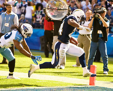 October 31, 2010, San Diego, CA, USA, San Diego Chargers running back Ryan Mathews (24) scores a touchdown on a 7 yard run as the San Diego Chargers defeat the Tennessee Titans 33-25 at Qualcomm Stadium in San Diego, California