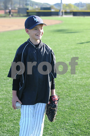 LNLL Minor Yankees defeated the Padres 10-7 extending their record to 2-0 - March 15, 2012