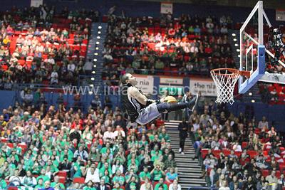 pre-game dunk entertainment